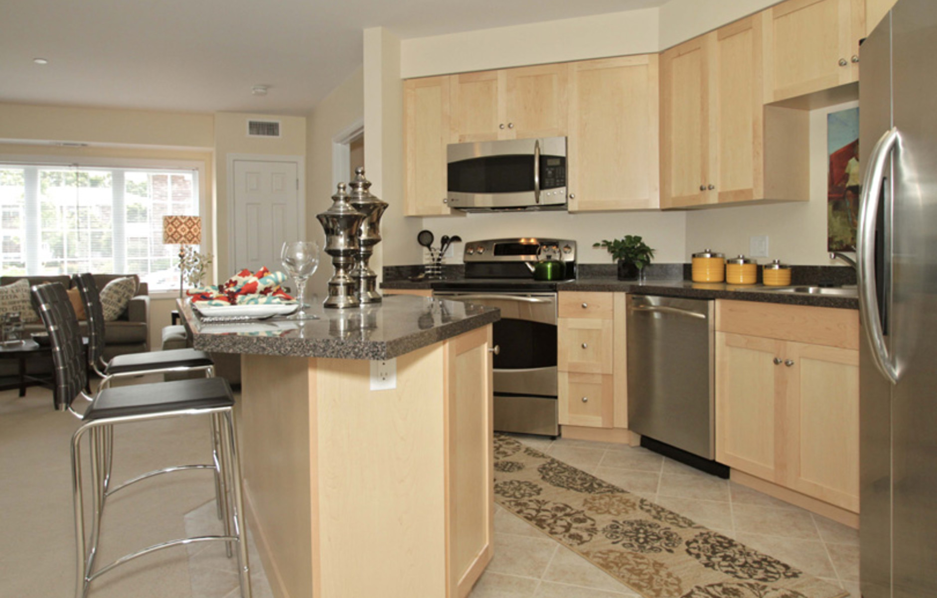 Kitchen: 125 Edgemere Road